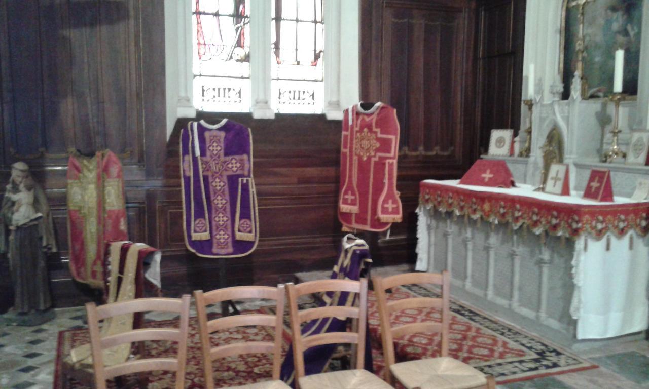 ornements sacerdotaux des différents temps liturgiques1