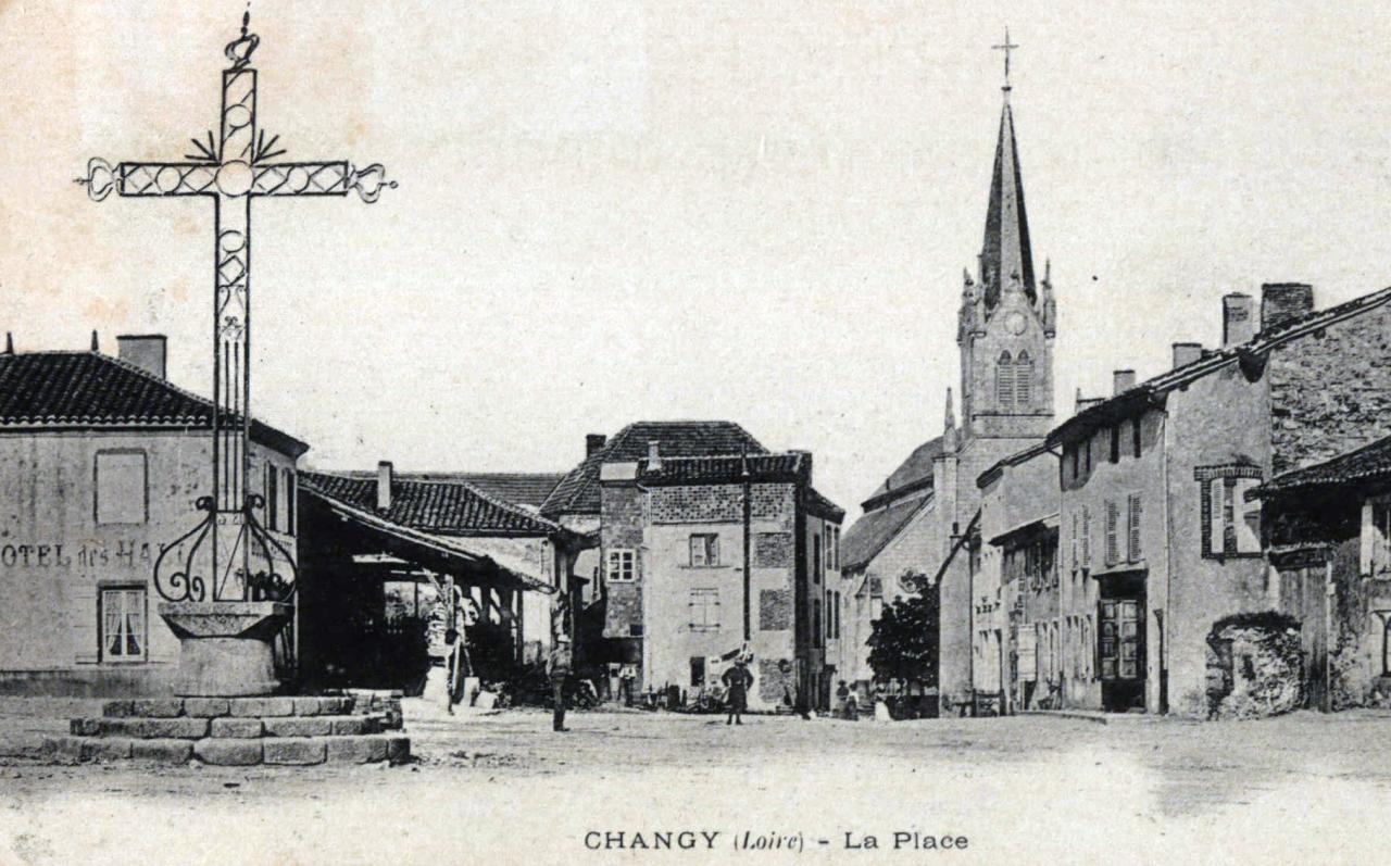 Changy : Place du champ de foire